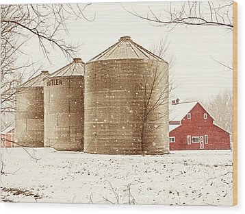 Red Barn In Snow Wood Print by Marilyn Hunt