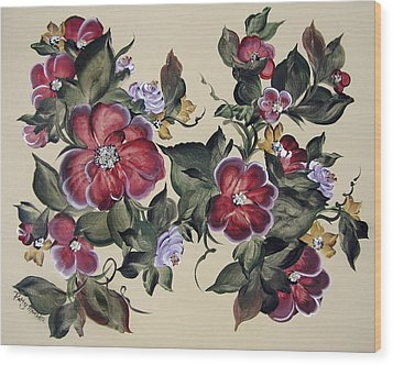 Red Blooms In Fall Wood Print by Patty Muchka