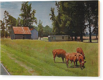 Red Cows On Grapevine Road Wood Print by Doug Strickland