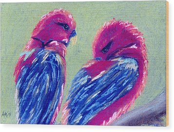 Red Lovebirds Wood Print by Jan Amiss