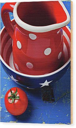Red Pitcher And Tomato Wood Print by Garry Gay