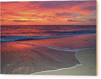 Red Sky In Morning Wood Print by Dianne Cowen