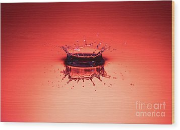 Red Splashdown Wood Print