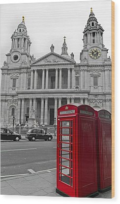 Red Telephone Boxes In London Wood Print by Gary Eason
