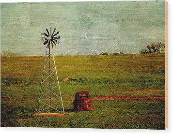 Red Truck Red Dirt Wood Print by Toni Hopper