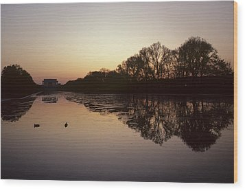 Reflecting Pool And Lincoln Memorial Wood Print by Kenneth Garrett