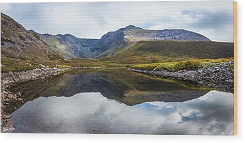 Reflection Of The Macgillycuddy's Reeks In Lough Eagher Wood Print by Semmick Photo