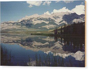 Reflection On Talbot Lake Wood Print by Shirley Sirois