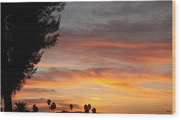 Reflections At The Close Of Day Wood Print by Glenn McCarthy Art and Photography