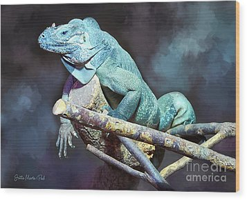Wood Print featuring the photograph Relaxation by Jutta Maria Pusl