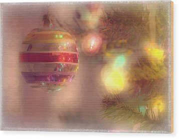 Wood Print featuring the photograph Relaxed Holiday by Christina Lihani