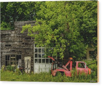 Remains Of An Old Tow Truck And Garage Wood Print by Ken Morris