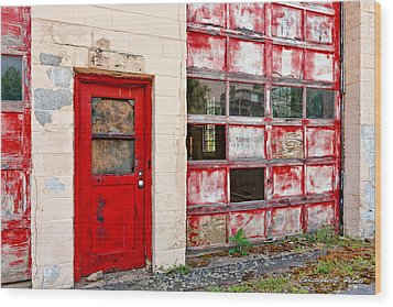 Wood Print featuring the photograph Retired Garage by Christopher Holmes