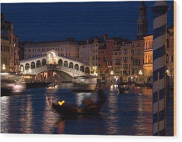 Rialto Bridge In Venice At Night With Gondola Wood Print by Michael Henderson