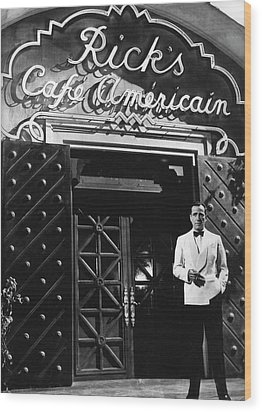 Ricks Cafe Americain Casablanca 1942 Wood Print by David Lee Guss