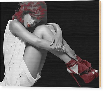 Rihanna Simple By Gbs Wood Print by Anibal Diaz