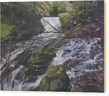River At Talybont On Usk In The Brecon Beacons Wood Print by Harry Robertson