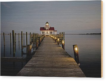 Wood Print featuring the photograph Roanoke Marshes Lighthouse by David Sutton