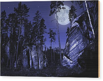 Rocks Wood Print by Jaroslaw Grudzinski