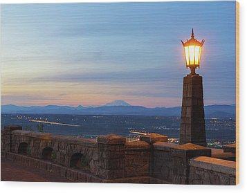 Rocky Butte Viewpoint At Sunset Wood Print by David Gn