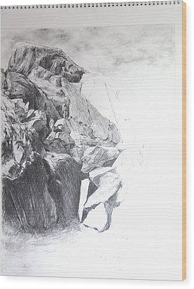 Rocky Outcrop In Snowdonia. Wood Print by Harry Robertson