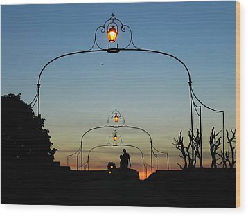 Romance On The Old Lantern Bridge Wood Print