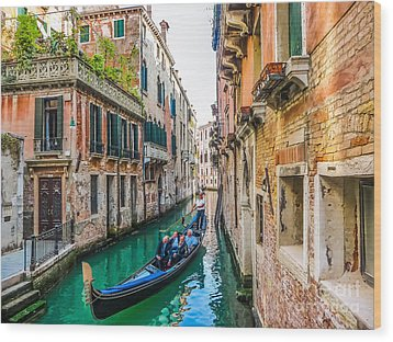 Romantic Gondola Scene On Canal In Venice Wood Print