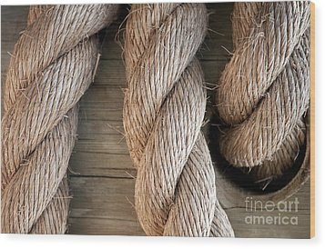 Rope In A Hole Wood Print by Dan Holm