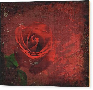 Wood Print featuring the photograph Roses Are Still Red by Bonnie Willis