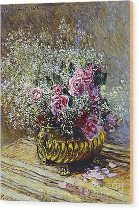 Roses In A Copper Vase Wood Print by Claude Monet