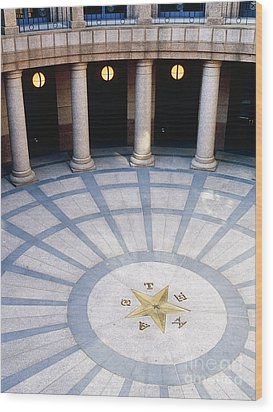 Rotunda In Texas State Capitol Wood Print by Jeremy Woodhouse