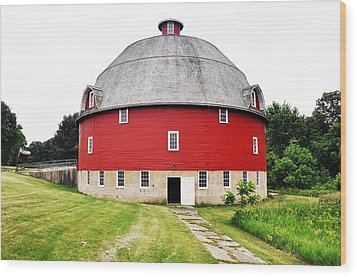 Round Red Barn Wood Print by Daniel Ness