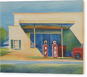 Round Rock Gas Station Wood Print by Janet Oh