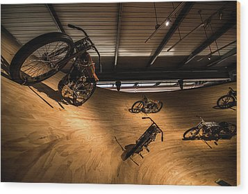 Rounding The Bend Wood Print by Randy Scherkenbach