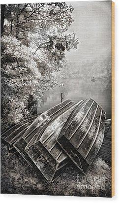 Row Boats On Blue Ridge Parkway Price Lake Bw Fx Wood Print by Dan Carmichael