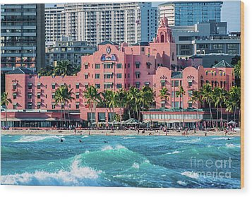Royal Hawaiian Hotel Surfs Up Wood Print
