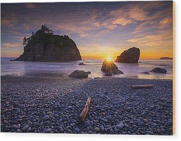 Wood Print featuring the photograph Ruby Beach Dreaming by Dan Mihai