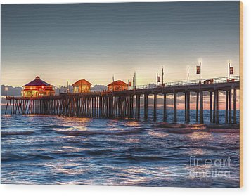 Wood Print featuring the photograph Ruby's Surf City Diner At Twilight - Huntington Beach Pier by Jim Carrell