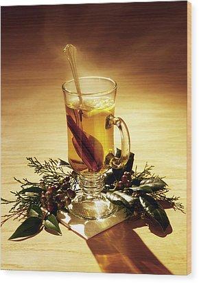 Rum Hot Toddy Wood Print by Robert Ponzoni