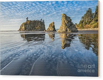 Ruby Beach Reflection Wood Print