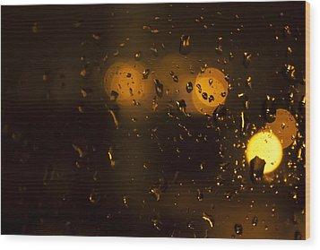 Rush Hour In The Rain Wood Print by Stewart Scott