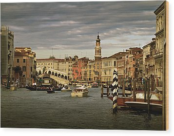 Rush Hour Venice Wood Print by John Hix