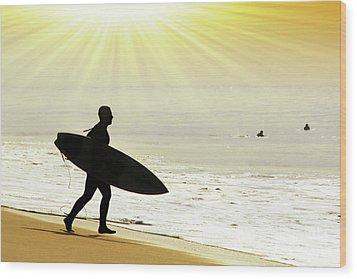Rushing Surfer Wood Print by Carlos Caetano