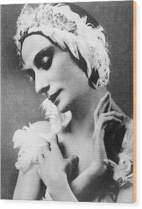 Russian Ballet Dancer Anna Pavlova Wood Print by Everett