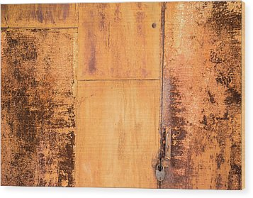 Rust On Metal Texture Wood Print by John Williams