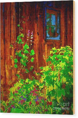 Rustic Summer Shed Wood Print by Christine S Zipps