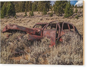 Rusty Automobile Wood Print by Sue Smith