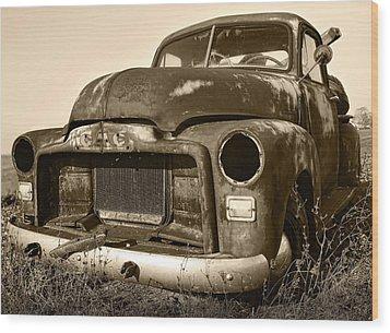 Rusty But Trusty Old Gmc Pickup Wood Print by Gordon Dean II
