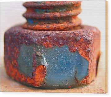 Rusty Screw And Bolt Wood Print by Yali Shi