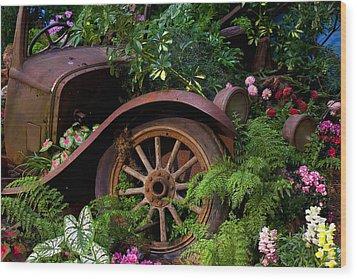 Rusty Truck In The Garden Wood Print by Garry Gay
